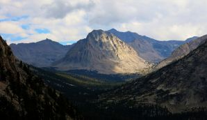 Center Peak along the JMT