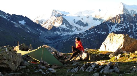 The perfect campspot along the Haute Route